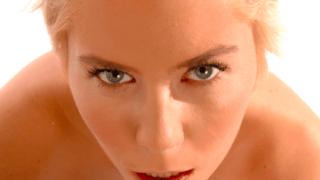 De Belgische pornoster Caroline Eden